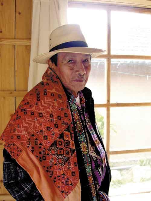 2012 las palabras de un maya Guatemala-appoints-large